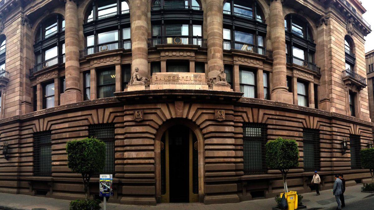 Banca Mexicana sufre afectaciones por millones de pesos