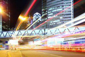 Aplicaciones para compartir vehículo tienen beneficios, pero también riesgos